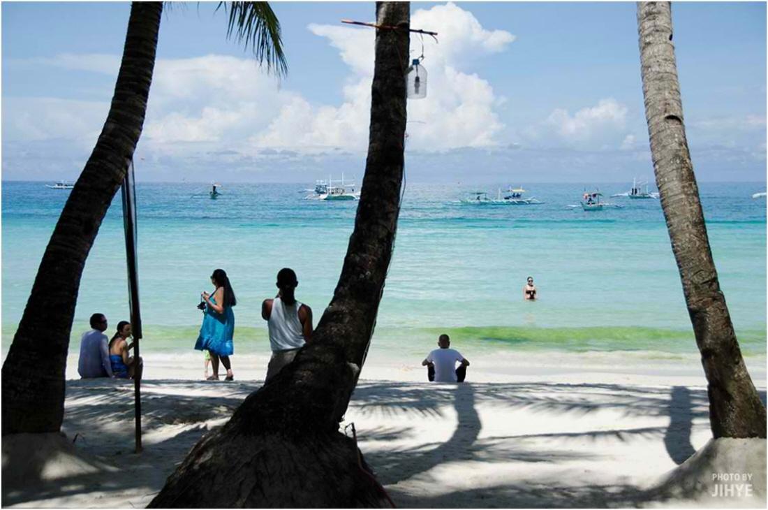 White Beach6.jpg