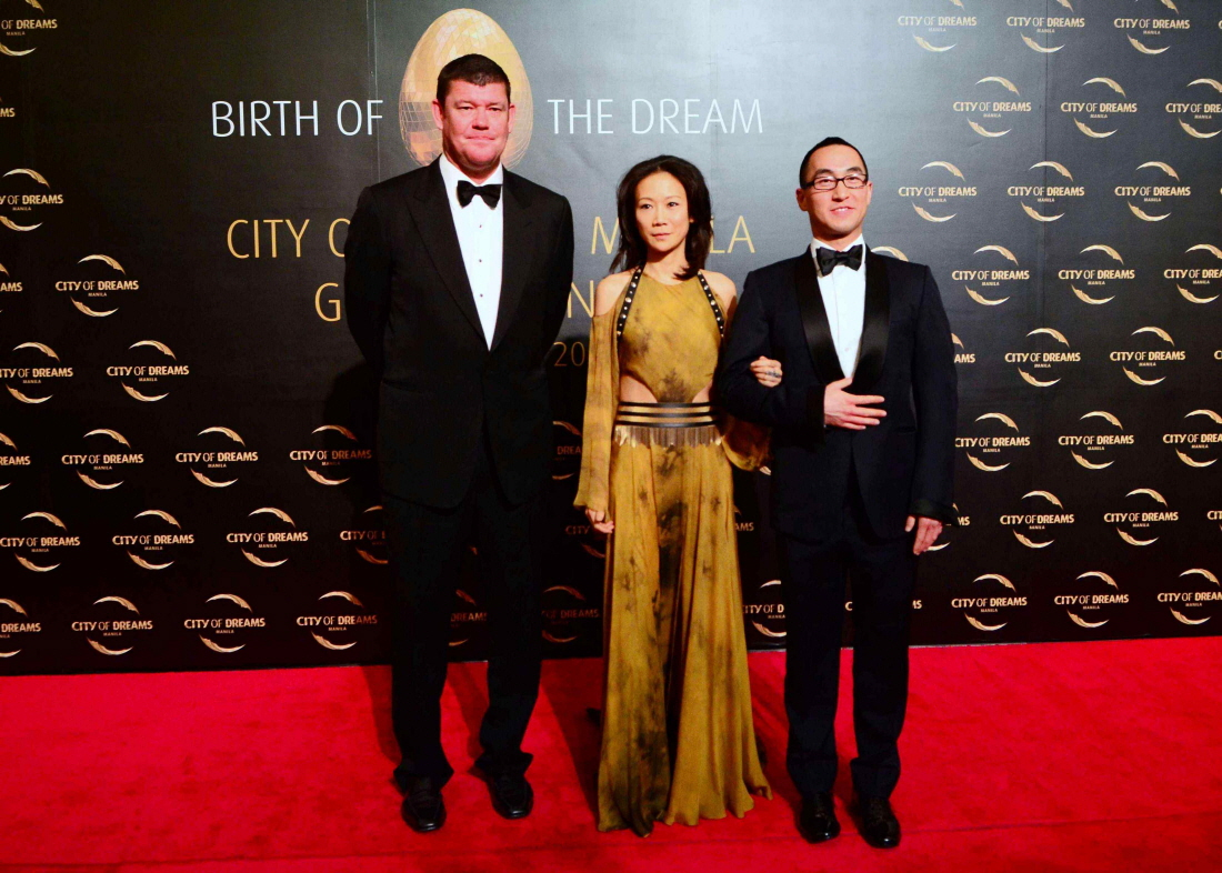 CIty-of-Dreams-Red-Carpet-James-Packer-Sharen-Ho-Lawrence-Ho.-Photo-by-Peter-C.-Marquez-InterAksyon.jpg